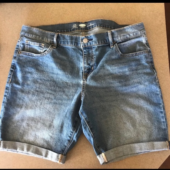 Old Navy Pants - *3/$21 Old Navy Fitted Jean Shorts